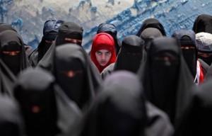 داعش عمل على سبي النساء في العراق وسوريا