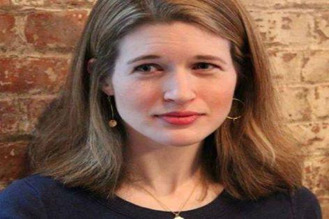 عاشت كاترين زوبف في سوريا ولبنان من 2004-2007 خلال عملها مع صحيفة نيويورك تايمز الأمريكية، كما عملت في بغداد ضمن مكتب مجلة التايمز في 2008