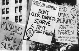 من المظاهرات في أمريكا بداية الحركة النسوية\أرشيف