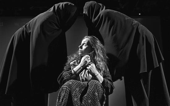 """مسرحية """"عنبرة"""" - بيروت"""