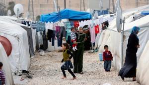 لاجئات في مخيم بتركيا/المونيتور