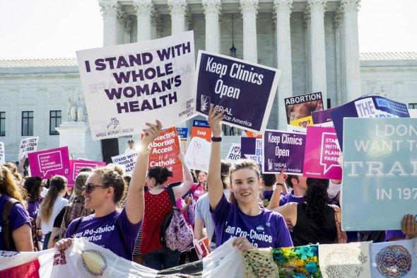 تظاهرة أمريكية للمطالبة بحق النساء في الاجهاض