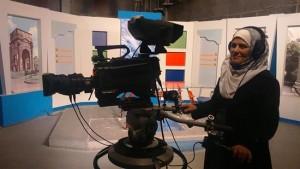 مصوّرة معتمدة في التلفزيون السوري/ جريدة السفير