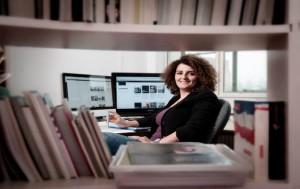 الناشطة النسويّة الصحافيّة رولا أسد