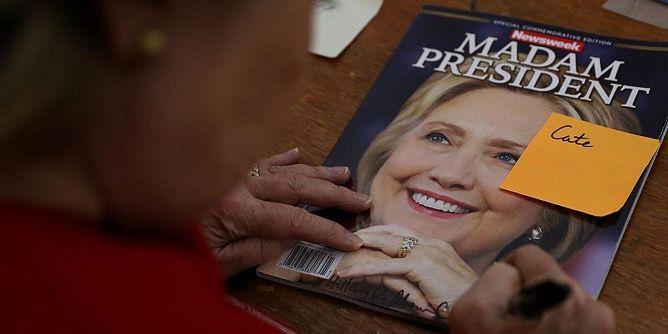 كلينتون على غلاف إحدى المجلات خلال حملتها الانتخابية