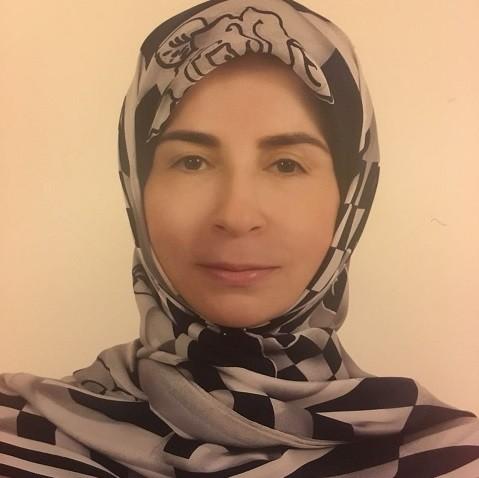 عناية عز الدين وزير دولة لشؤون التنمية الادارية في لبنان