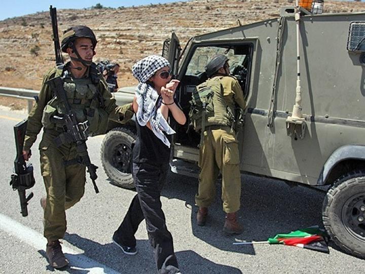 اعتقال فتاة فلسطينية في الضفة