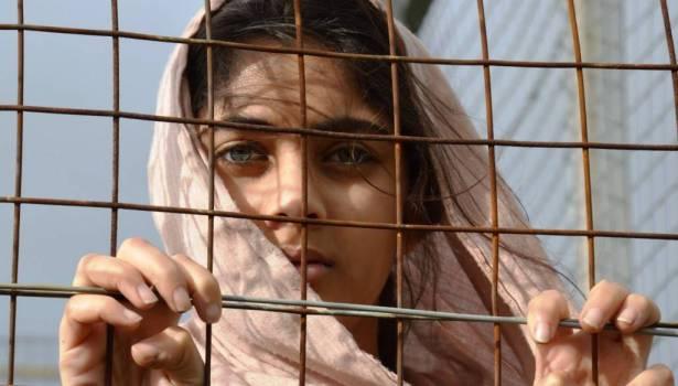 فتاة في مخيم للاجئين/ أرشيف