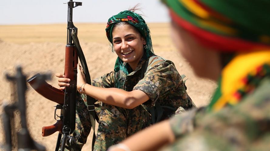 تضم وحدات حماية المرأة الآلاف من المقاتلات الكرديات تتراوح أعمارهن بين 18 و40 سنة يقاتلن بشكل تطوعي