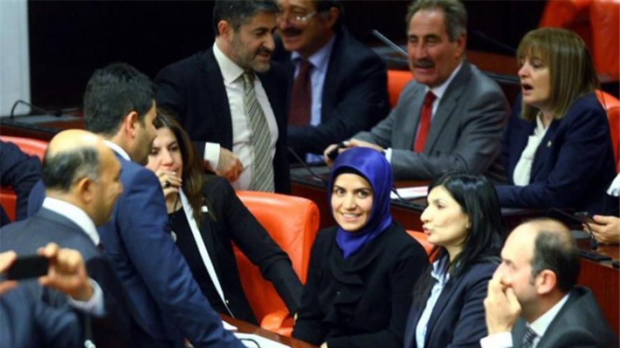 الدورة البرلمانية الأخيرة في تركيا حظيت بحضور نسائي كبير