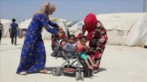 """لاجئات سوريات في مخيم """"سوروج"""" بولاية شانلي أورفة جنوبي تركيا"""