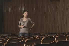 السورية آنا عكاش في المسرح