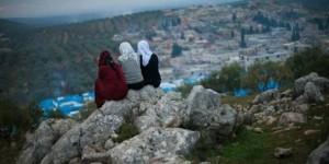 حياة بائسة للنساء السوريات ممن فقدن أزواجهن