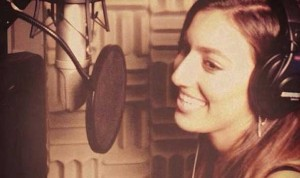 المغنية فيفيان نوري التي سيُسمع غناؤها في جميع أنحاء العالم
