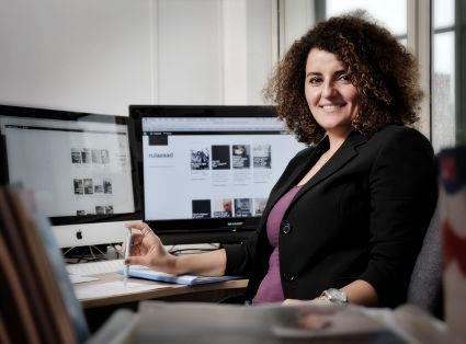 النسوية والصحفية السورية رولا أسد