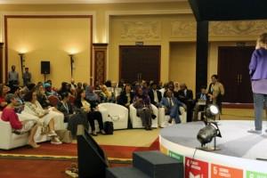 حلقة النقاش العامة حول المرأة في الصناعة. الصورة: الأمم المتحدة / فيبهو ميشرا