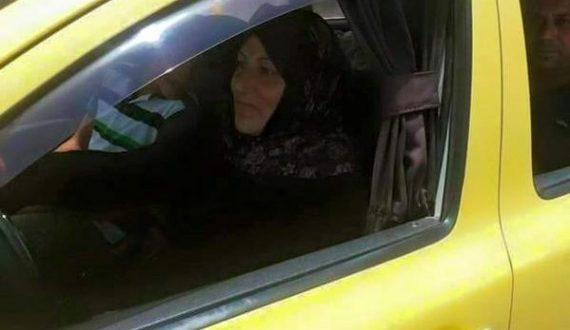 المرأة السورية تعمل سائق تكسي في دمشق