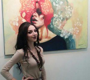 """التشكيلية السورية تسنيم شرف في معرضها """"شيروفوبيا"""""""