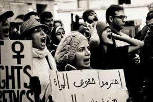 حقوق المرأة في الغرب وفي الشرق