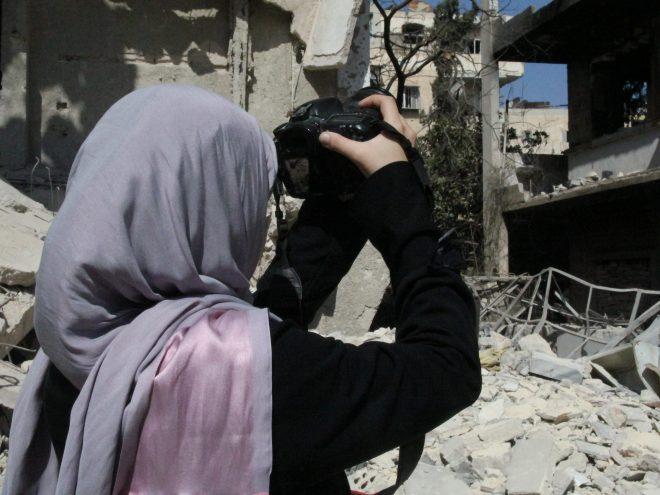 """الصحفيات السوريات في """"مهنة المتاعب"""""""