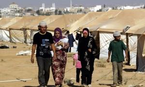 لاجئون سوريون في مخيم الزعتري - شمال الأردن (إنترنت)