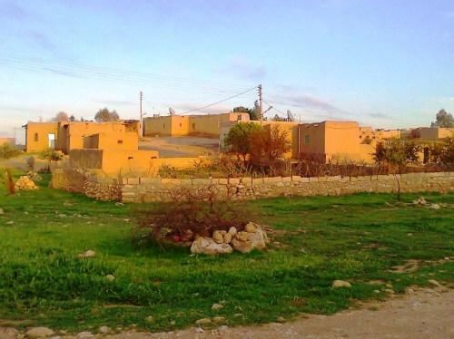 نساء سوريات يؤسسن قريتهن الخاصة التي يمنع على الرجال العيش فيها