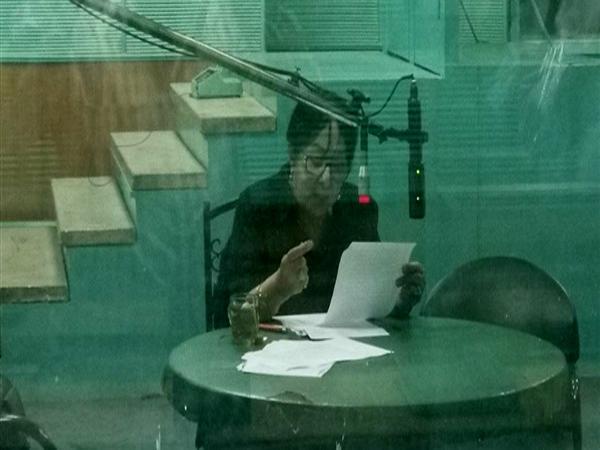 """سميرة عبد العزيز في برنامج """"بكِ أقوى"""" الإذاعي"""