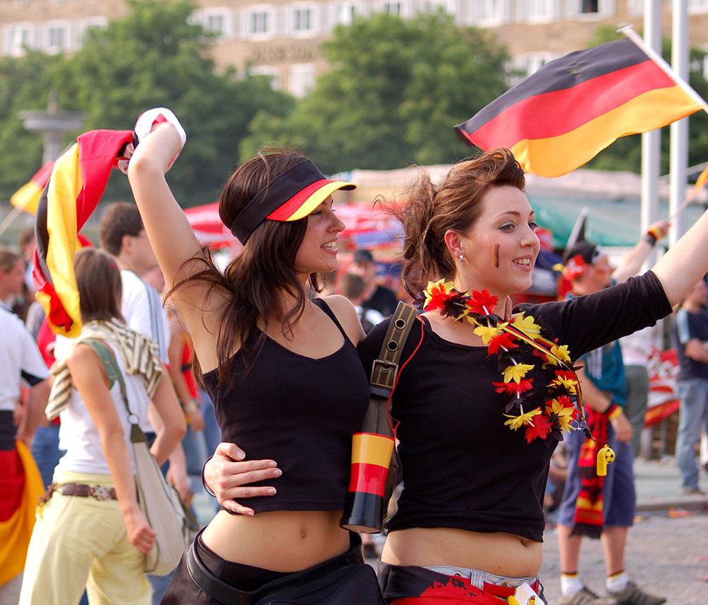 مشجّعات الفريق الألماني/ رصيف22