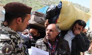 لاجئون سوريون عائدون من لبنان/ أرشيف