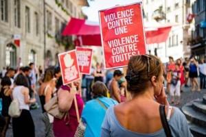 متظاهرون يندّدون بالعنف ضدّ النساء في سويسرا