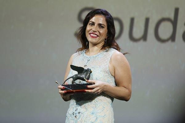 """المخرجة السورية سؤدد كعدان تفوز بجائزة """"أسد المستقبل"""" للأفلام"""