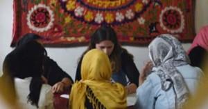 النساء اللاجئات يرفعن أصواتهن ضد العنف والأوضاع المحفوفة بالمخاطر والإهمال الرسمي