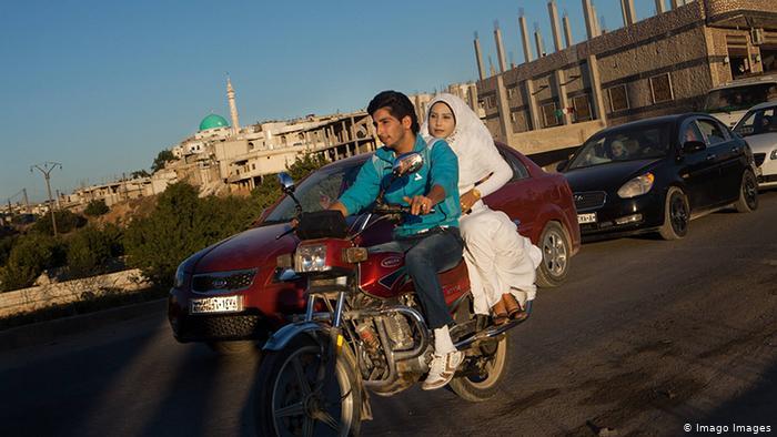 الزواج طريق للخلاص من الفقر المدقع
