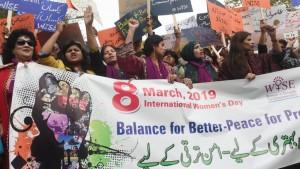 تظاهرات يوم المرأة العالمي 2019 في باسكتان/ AFP