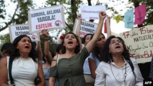 """""""لا أريد أن أموت"""".. هاشتاغ لوقف العنف ضدّ المرأة  في تركيا"""