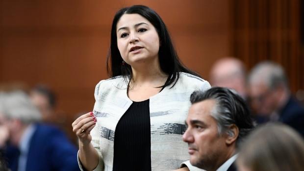 وزيرةُ التنمية الدولية وشؤون المرأة والمساواة الجندرية في الحكومة الكندية مريم منصف