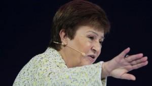 مديرة صندوق النقد الدولي كريستينا جورجيفا خلال مساركتها في المنتدى في دبي