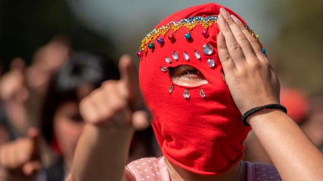 من تظاهرة سابقة مندّدة بالعنف الأسري (مارتين بيرنيتي/فرانس برس)