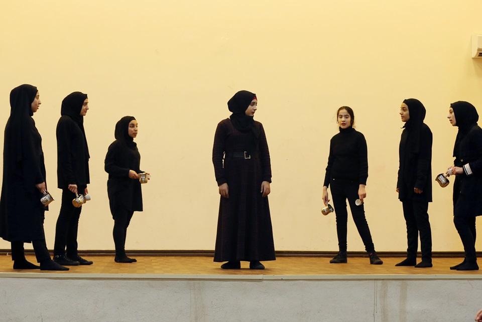 """""""الغد هو يوم أفضل"""" عرض تفاعلي أقيم في مسرح أبجد، طرابلس، باب التبانة، لبنان، يسلط الضوء على التأثير الضار لعدم المساواة بين الجنسين."""