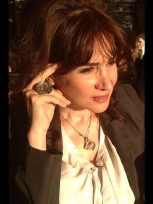 الفنانة دلع الرحبي، كاتبة ومحامية سورية