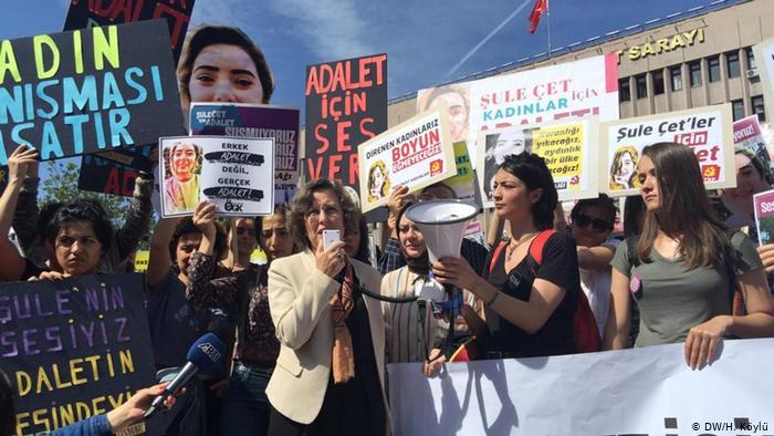 غضب من محاولة التكتم عن حالات اغتيال النساء، احتجاج مجموعات نسائية في أنقرة
