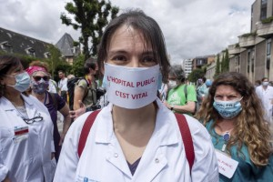 A health worker demonstration in Paris, France, June 2020 Martin Barzilai / HAYTHAM-REA / Re​dux