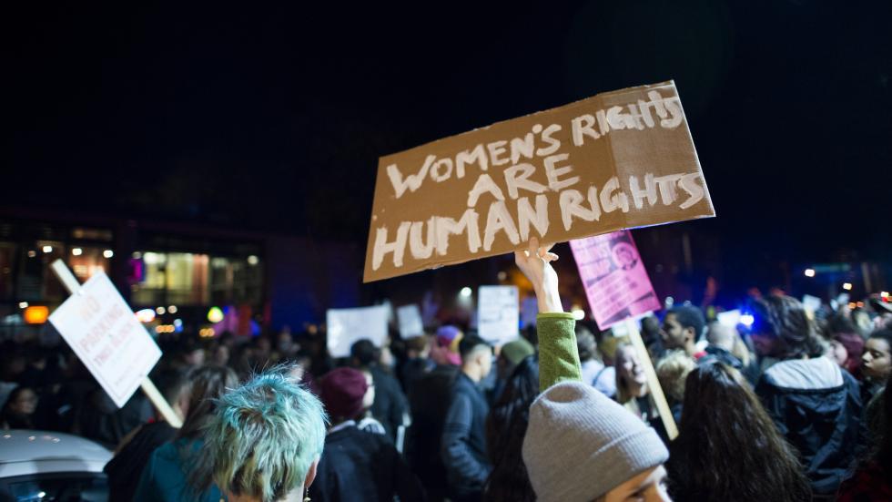السياسة الخارجية النسوية