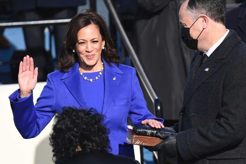 كامالا هاريس تتولّى منصب نائب الرئيس الأمريكي
