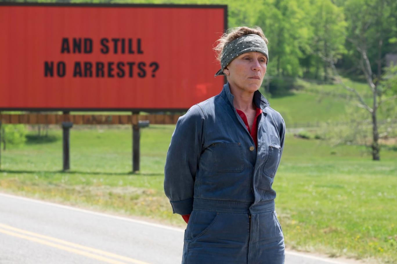 """الممثلة الأميركية فرانسز ماكدورماند في فيلم """"ثلاث لوحات إعلانية..."""" (الخدمة الإعلامية للفيلم)"""