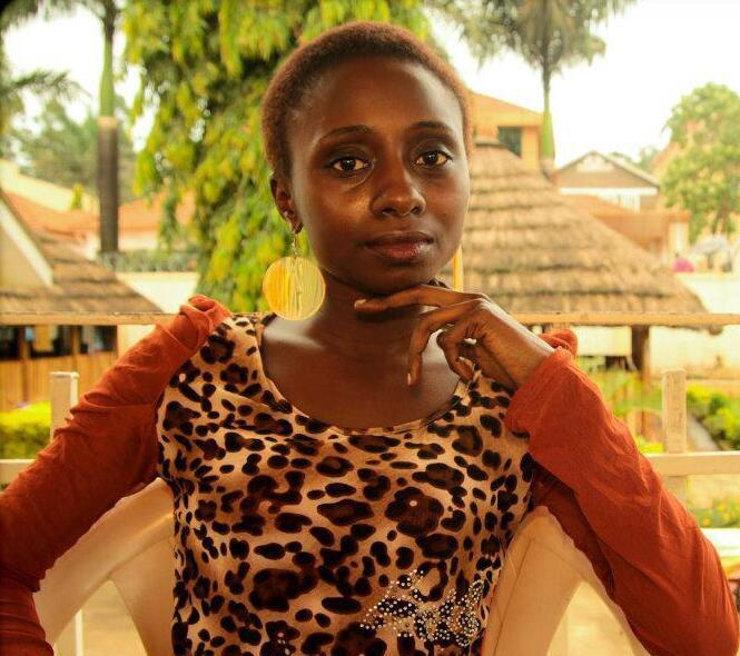 الناشطة الأوغندية لينزي كوكندا.