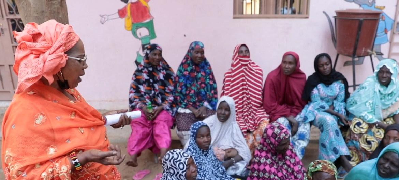 United Nations تتحدى المرأة في مالي الصراع وتبني السلام.