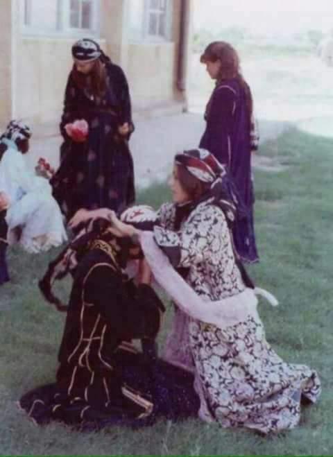 نساء من الرقة بالزي التقليدي/ المصدر: انترنت